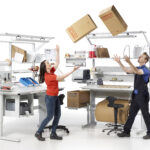 Mobiliario esencial para un puesto de embalaje
